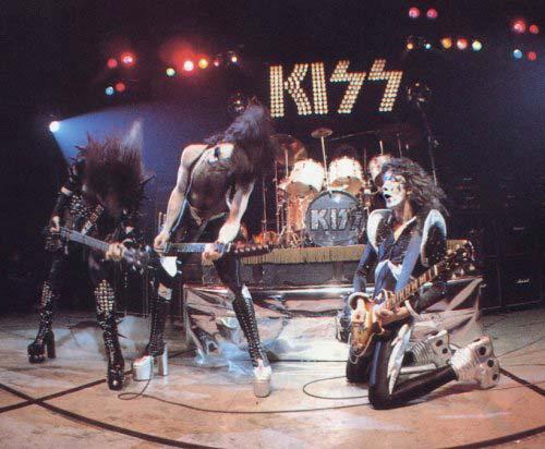 Alive Kiss 1975 Casablanca Universal Music Mondo Pop