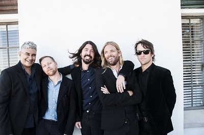 foo fighters-400x